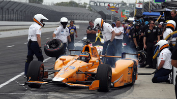 Alonso odalépett Indianapolisban