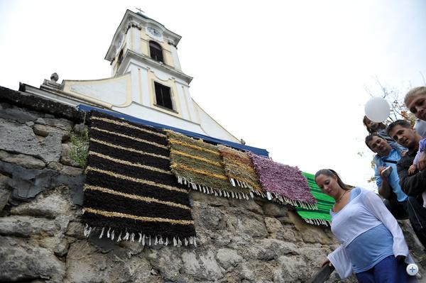 A templom kertben kirakodóvásár volt