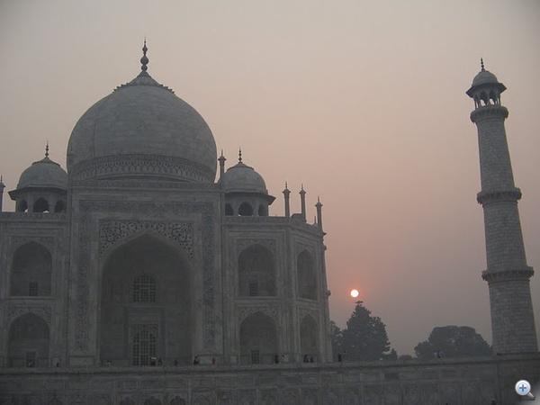 Napfelkeltés sablonfotó is kell a Taj Mahalról