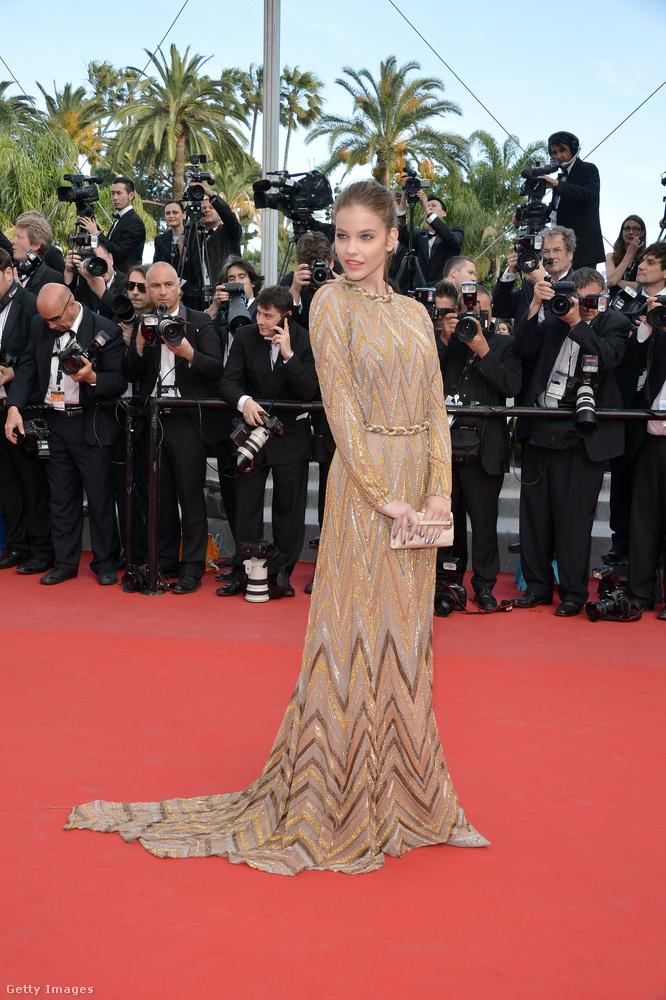 Palvin egyébként 2012-ben járt először a Cannes-i vörös szőnyegen, 18 évesen.