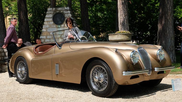 Ez volt nagyjából az első új, már Jaguarnek tervezett Jaguar 1949-ben
