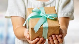 Az örökös SzMK anyuka és a pedagógusnapi ajándék