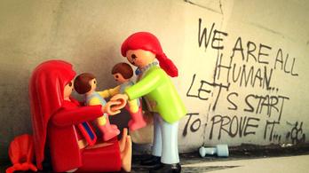 Menekült művészek lepték el a 4-6-os villamost