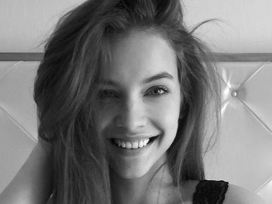 Palvin Barbara megérkezett Cannes-ba!!!