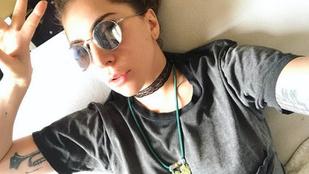 Lady Gaga félmeztelen fotóval köszöntötte fel Naomi Cambellt