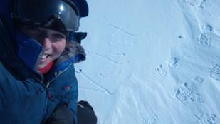 A medvepara sem tudta eltántorítani rekordjától az északon túrázó magyar lányt