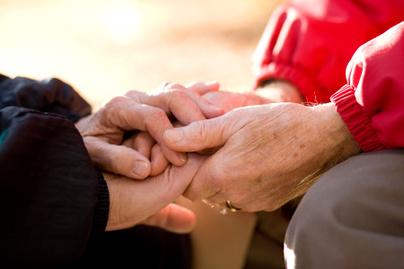 par kezfogas szerelem