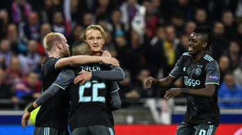 Pofátlanul fiatal csapat menti meg a holland focit?