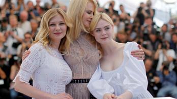 Hamvas lányokkal bazsalyog a pernahajder Colin Farrell