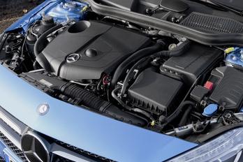 Újabb közös motorokon dolgozik a Mercedes és a Renault