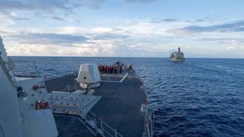 Kína által követelt vizekre hajózott egy amerikai hadihajó