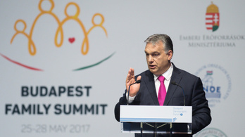 Jól járnak a gyerekesek, egy sor kedvezményt jelentett be Orbán