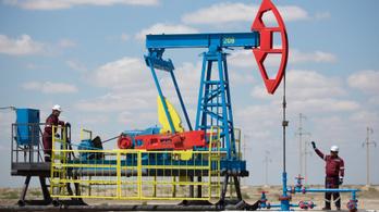 Nem lesz olcsóbb a benzin, marad a visszafogott olajkitermelés