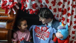 A kanadai miniszterelnök takaróbunkert épített az irodájában