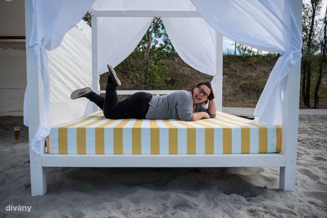 Na meg ilyen ágyak.