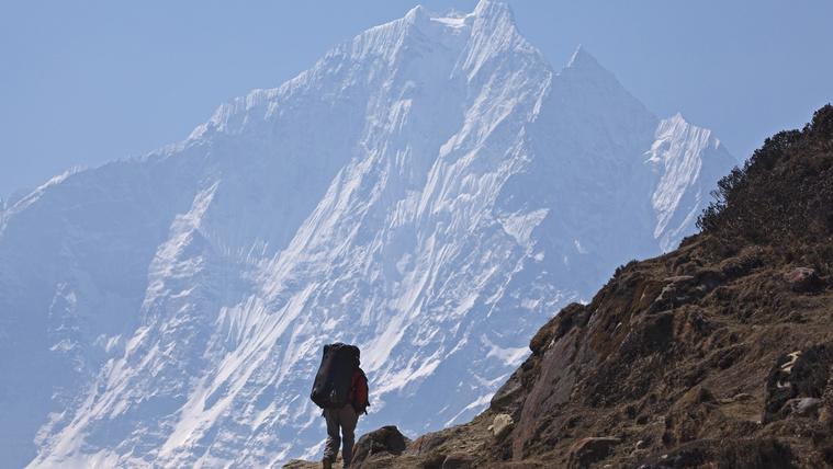 Valakik oxigénpalackot lopkodnak a Himaláján
