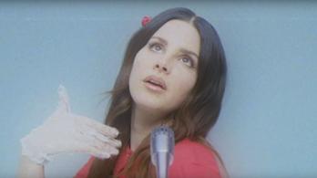 Hollywood felett romantikázott Lana Del Rey
