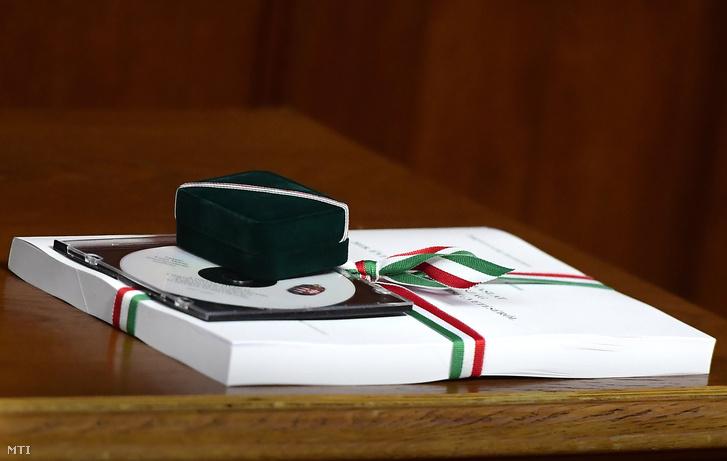 A 2018-as költségvetésről szóló törvényjavaslat az Országházban 2017. május 2-án