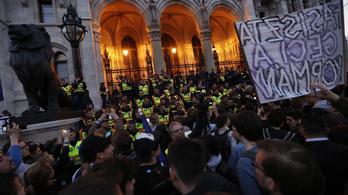 Az ombudsman vizsgálja a dulakodást a CEU-tüntetésen