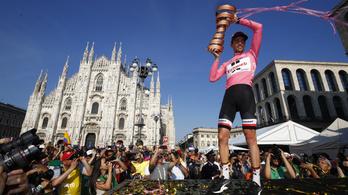 Nem azzal írt történelmet, hogy leguggolt a bokorban: Dumouliné a Giro