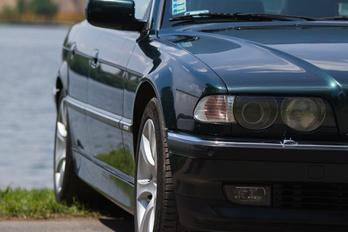 BMW 7 1994