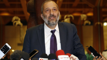 Gyanús pénzügyei miatt kihallgatták az izraeli belügyminisztert