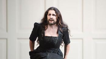 Cecilia Bartolit elkapta a szakállas hipszterdivat