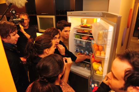 Megasztárok és a hűtő