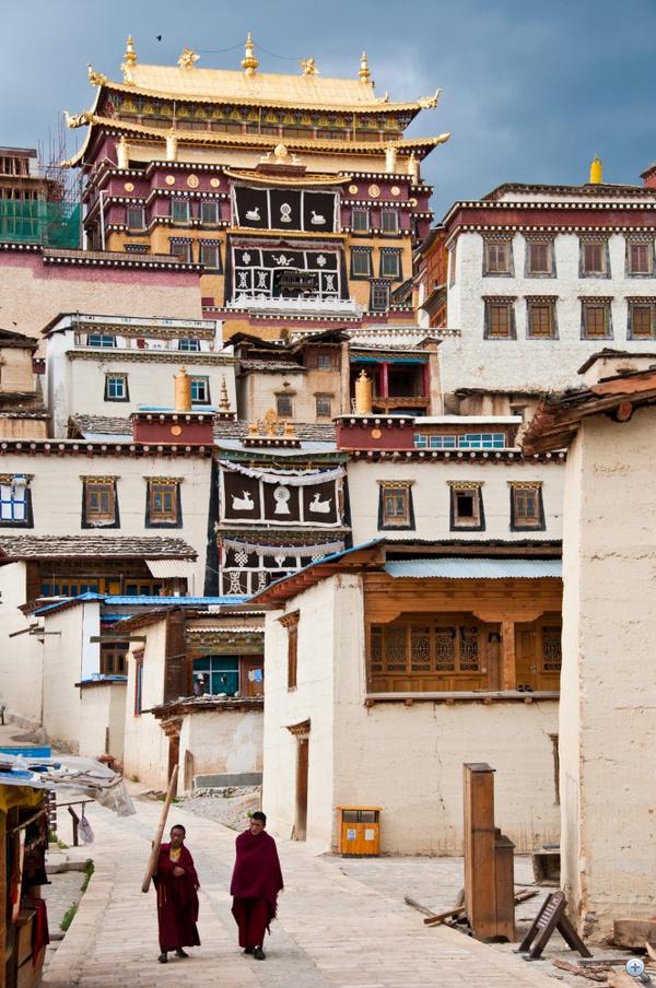 Ganden Sumtseling kolostor Shangri-La városa mellett (Jünnan, Kína)