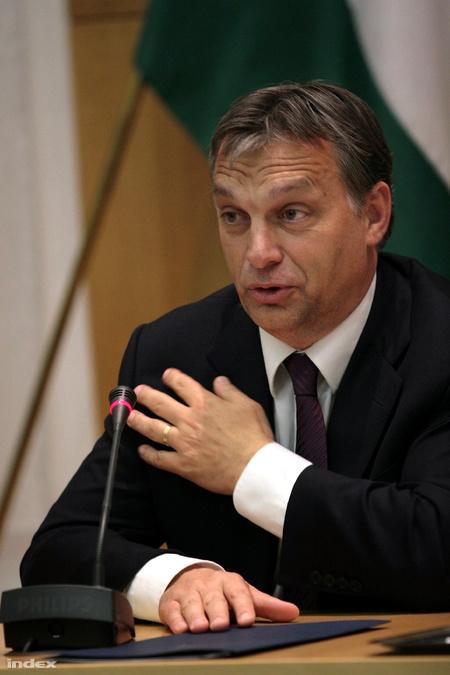 Orbán nem válna meg a jobbkezétől (Fotó: Nagy Attila)