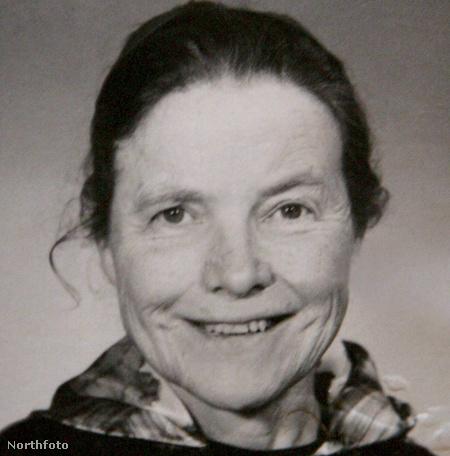 Clara Meadmore ötven évesen