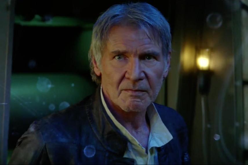 Harrison Fordot az új Star Wars-film, Az ébredő erő forgatásán érte baleset. Az egyik jelenetben rázuhant az Ezeréves Sólyom ajtaja, ezért hónapokig csak tolószékben tudott közlekedni.