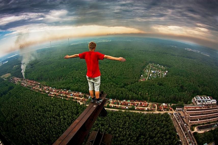 Feltehetően ez az a kép, ami a legtöbbeket nyugtalanná teszi: ha te is közéük tartozol, akrofóbiás - magyarul tériszonyos - vagy, és félsz a magasságtól.