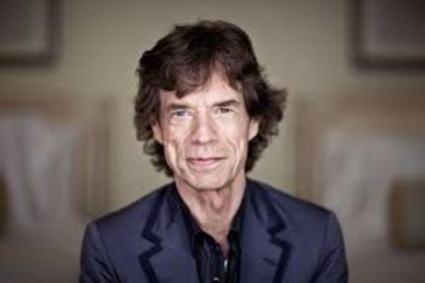 Féktelen orgiák, kétes hírű nők: A The Rolling Stones énekese, Mick Jagger tudna mit mesélni életéről. A zenésznek összesen hét gyermeke született négy különböző nőtől, és olyan bombázókkal hozták hírbe pályafutása során, mint Bebe Buell, Marianne Faithfull, Carla Bruni vagy Angelina Jolie.