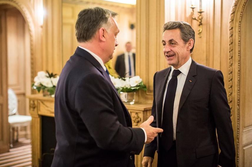 Orbán Viktor Párizsban járt az OECD - Gazdasági Együttműködési és Fejlesztési Szervezet - meghívására. A héten közölték a hírt, hogy Magyarország visszafizette az IMF-EU-hitelt.