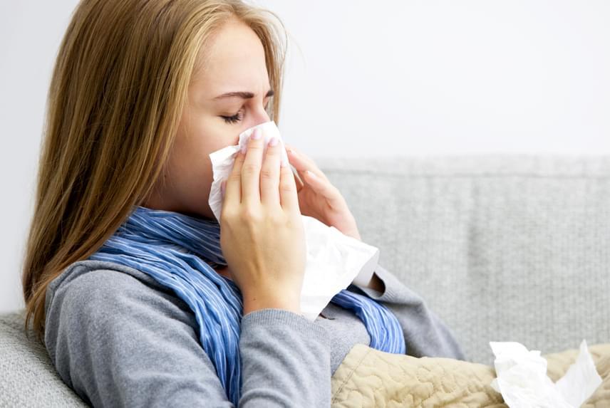 A retinol erősíti az immunrendszert, védi a nyálkahártyákat és a légutakat a fertőzésekkel szemben, emellett antioxidáns hatással is bír.