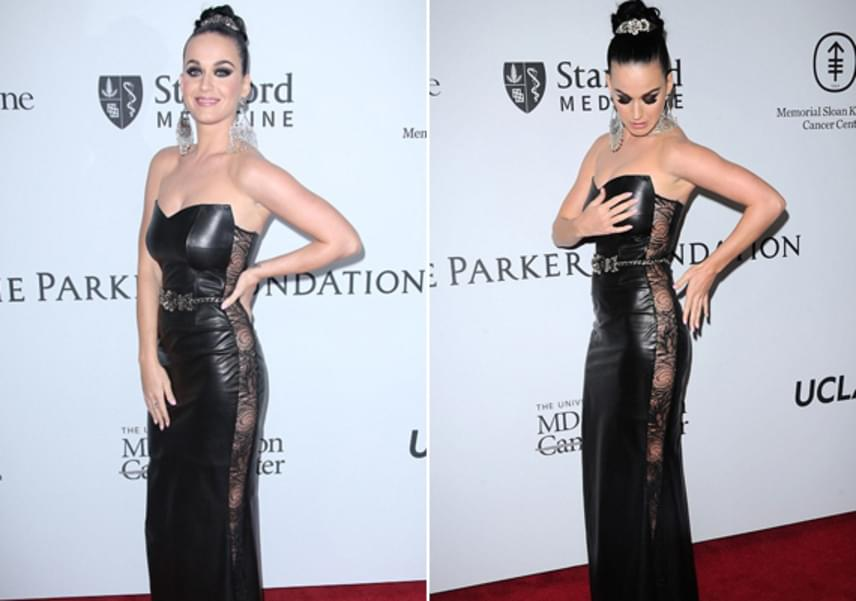 Katy Perry szándékosan nem húzott alsóneműt a ruha alá - hiszen kilátszott volna a pántja -, de amikor a fotósok kiszúrták a dolgot, szörnyen zavarba jött.