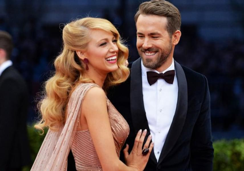 Ryan Reynolds és Blake Lively a Zöld lámpás forgatásán ismerkedett meg. Már akkoriban felröppentek a hírek, hogy egymásba szerettek, azonban hivatalosan csak 2012-ben, az esküvő után néhány hónappal jelentették be, hogy együtt vannak.