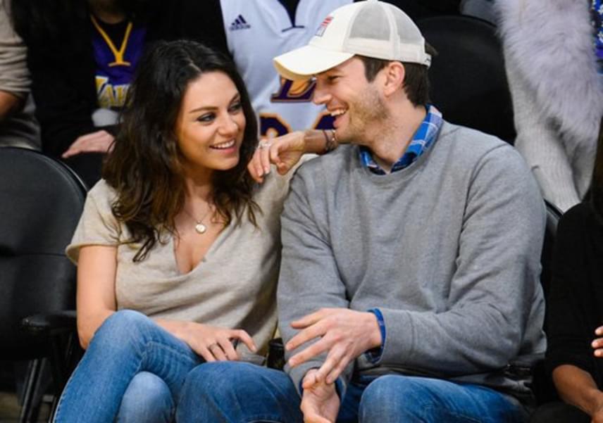 Mila Kunis és Ashton Kutcher kapcsolata nem indult zökkenőmentesen - állítólag a sztár még együtt volt exfeleségével, Demi Moore-ral, amikor összejött a színésznővel. Tavaly házasodtak össze titokban, már egy kislányuk is van: az egyéves Wyatt.