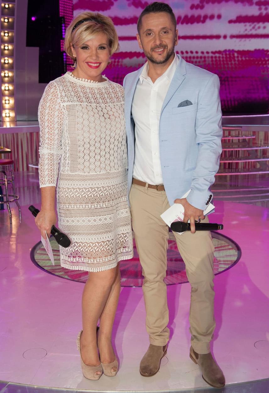 A Nagy Duett két műsorvezetője az öltözködés terén is megtalálta az összhangot. Liptai Claudia bátran bújhat magas sarkúba, mellette Majka nem alacsonyabb.