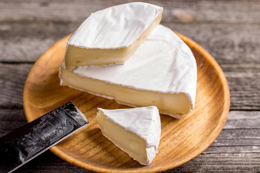 A lágy sajtokat is tilos a fagyasztóban tárolni, állaguk ugyanis jelentős mértékben romlani fog.