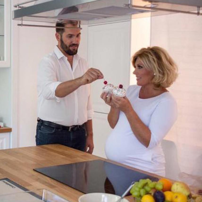 Szeptember elején készítették a Liptai Claudia és szerelme, Pataki Ádám közös cukrászkönyvéhez az illusztrációként szereplő fotókat.