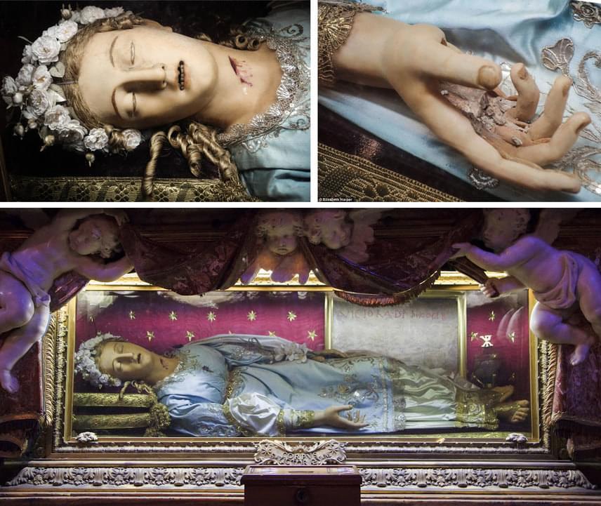 Szent Viktóriaszűz és vértanúTekintve, hogy élete igen régre tehető, nem csoda, hogy Szent Viktóriáról nagyon keveset tudni. Ő ugyanis i. sz. 230 körül született, és 253 körül halt meg. Római volt. Anatoliával, aki egyes források szerint nővére, mások szerint barátnője volt, mindketten visszautasították kérőiket és a házasságot, mert szüzességüket meg akarták őrizni. Viktória szülei unszolására mégis igent mondott egy Eugenius nevű pogány ifjúnak, végül azonban nem ment hozzá. A felbőszült Eugenius megvádolta, hogy keresztény, ezért megkínozták és kivégezték mind őt, mind Anatoliát. Teste ugyan nem élt meg közel két évezredet épen, de csontvázát viasszal borítva ma is őrzik a Santa Maria della Vittoria-templomban, melynek valódiságára a megbontott kéz és a látszódó fogazat szolgáltat bizonyítékot.