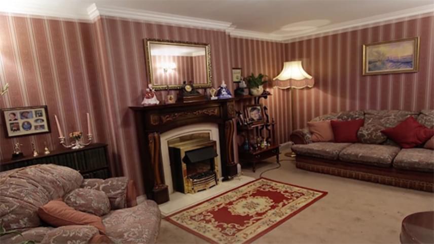 A ház belülről is nagyon csinos, jól felszerelt, teraszos, és három hálószoba is található benne. Bár nem meglepő, az ajánlat pillanatok alatt elképesztő népszerűségre tett szert.