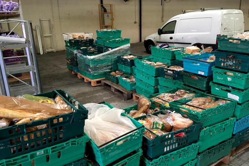 Adam Smith, a The Real Junk Food projekt vezetője elmondta, terveik szerint hetente 12 ezer éhes szájat szolgálnak majd ki.