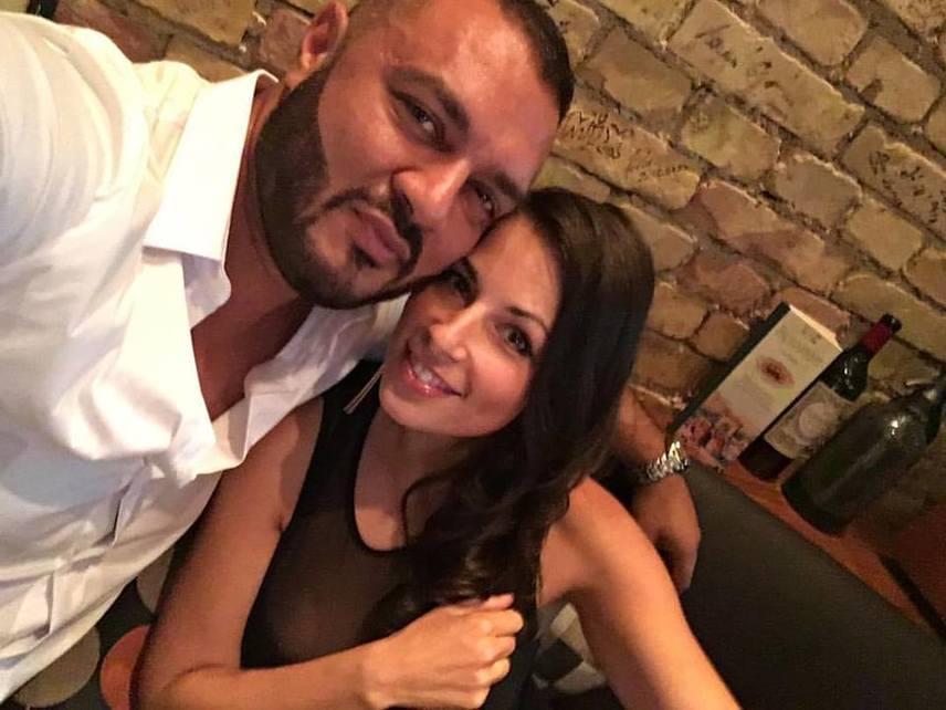 """""""#micsodanő és #hatheteszült"""" - Gáspár Laci ezekkel a hashtagekkel posztolta a feleségével közös fotót a Facebookon."""