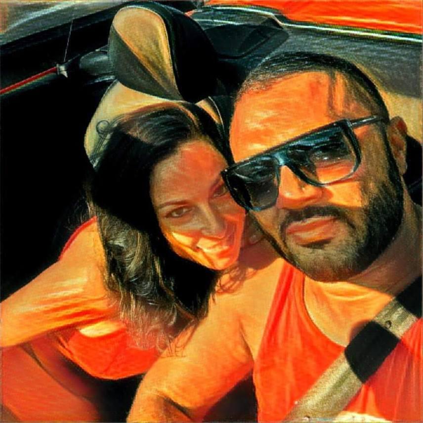 A 37 éves sztár augusztus végén posztolta ezt a szerelmesen összebújós képet.