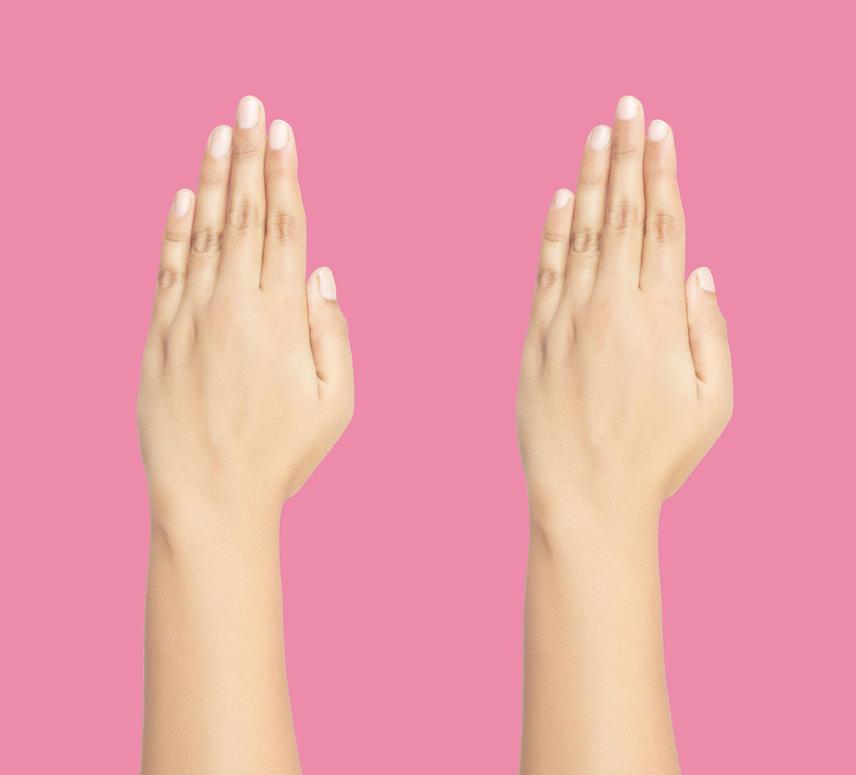 Nemcsak az ujjaid közti réseket érdemes megvizsgálnod, körmeid formája is beszédes. Ha a körmeid hosszúkásak, szeretetreméltó, jószívű ember vagy. Ha inkább rövidebbek, akkor lobbanékony természet vagy, és több időbe kerül megtalálni a szívedhez vezető utat.