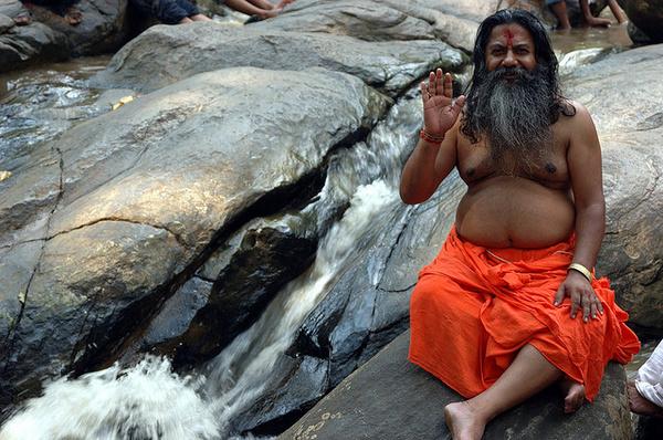 Aszkéta az indiai Vashista ashramban Fotó: Giridhar Appaji Nag Y
