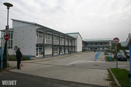 Az iskola